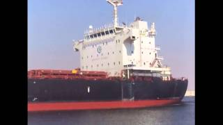 السفن العابرة للقناة تطلق تحية للعاملين بالقناة الجديدة