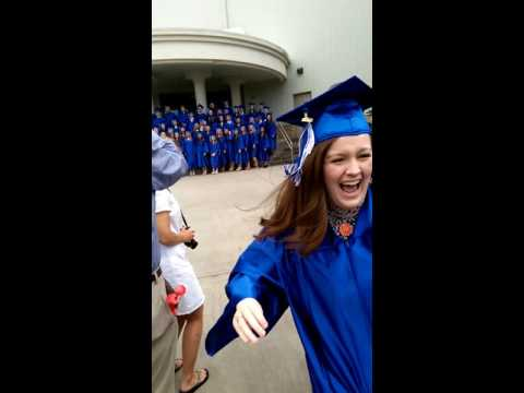 Brother drive's 1000 miles to surprise his little sister for high school graduation