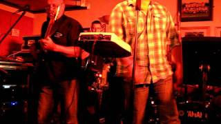 Loose Change: I Could Be So Good For You: Fountain Hotel, Sittingbourne — 12 August 2011