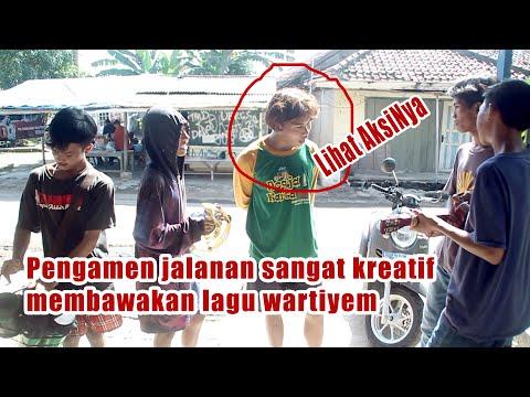 creative-street-singers-sing-wartiyem's-song-|-see-his-action-|-pengamen-jalanan-kreatif-|-wartiyem