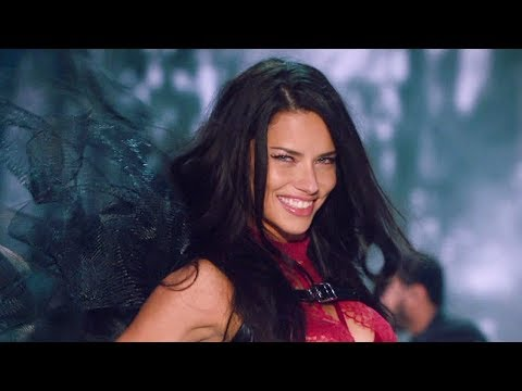 Adriana Lima Announces She's LEAVING Victoria's Secret With Instagram Post?