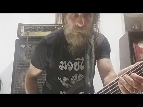 Luis Mariutti tocando Distant Thunder