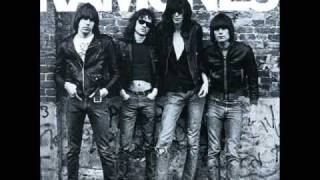 the ramones - pinhead   HQ sound (with lyrics in video)