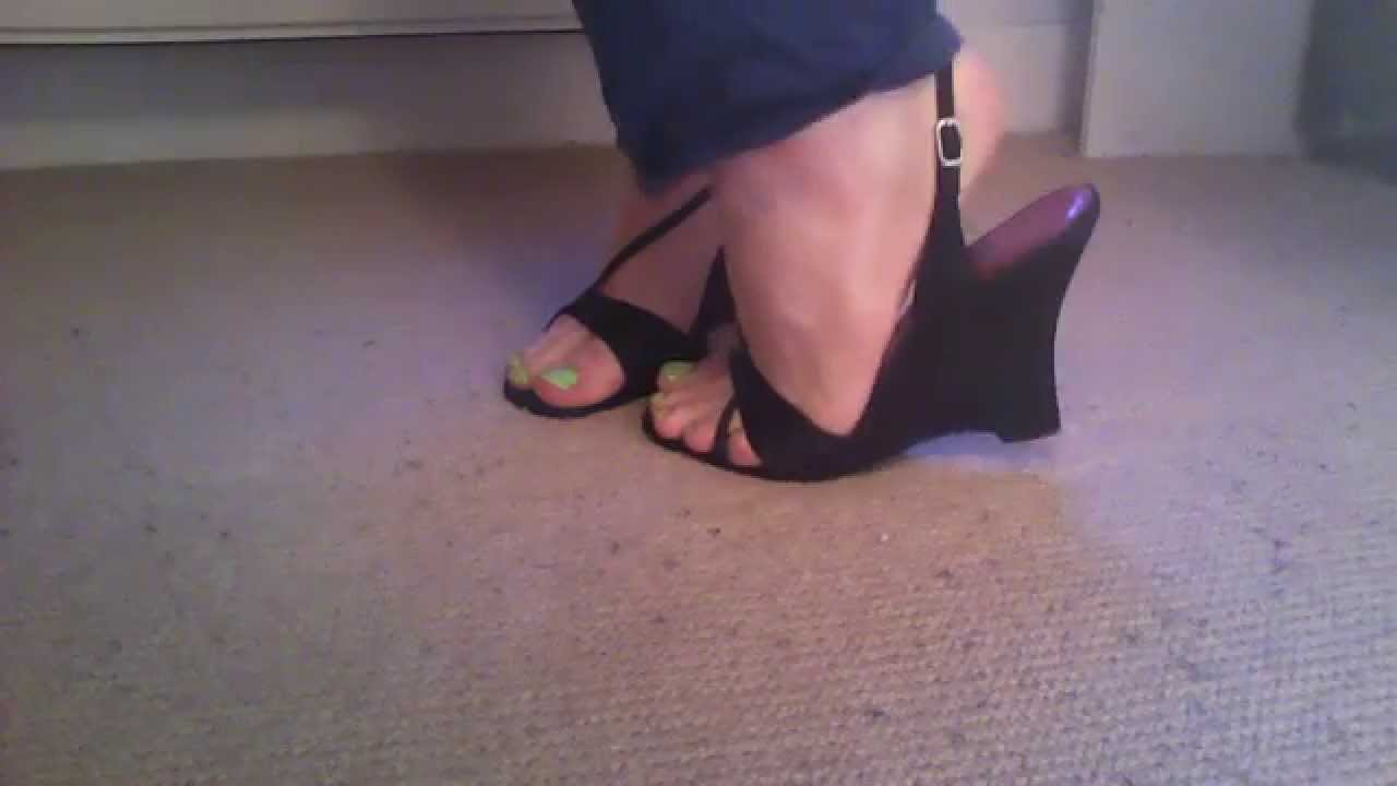 wedge heels, green nail polish - cd feet - YouTube
