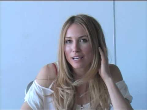 Falling Skies Sarah Carter Press Interview at MCM Comic Con