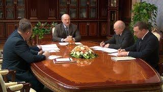 Лукашенко в преддверии новогодних праздников призывает уделить внимание детям и пожилым людям