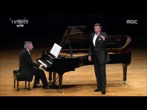 Thomas Hampson - The Boatmen's Dance by Aaron Copland