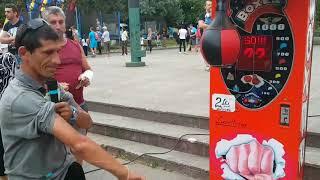 Bruce Lee de Romania la aparat box Bruce Lee of Romania at boxing machine