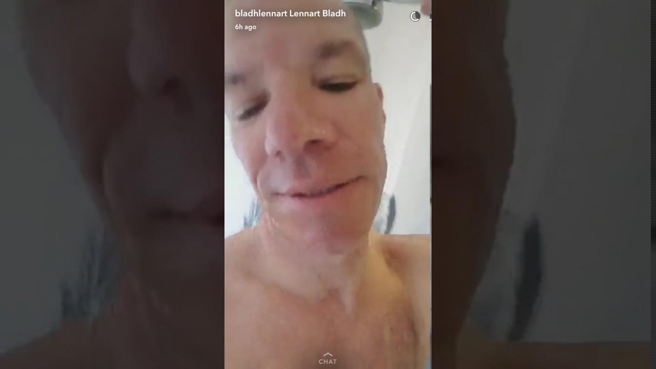 mamma duscha video vita tjejer som svart dick