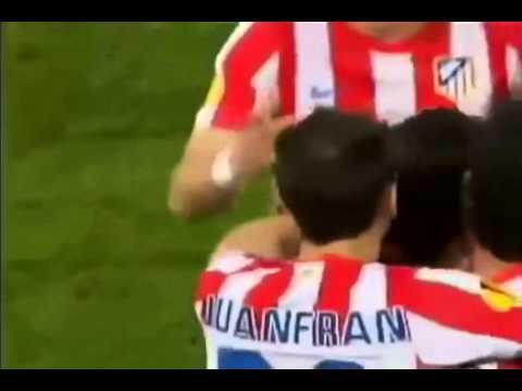 Falcao - Final Europa league 2012 - Mariano Closs y Fernando Niembro