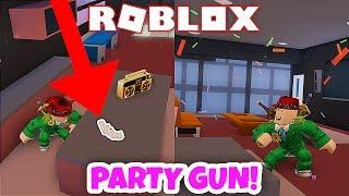 NEW PARTY GUN! (Roblox Jailbreak)