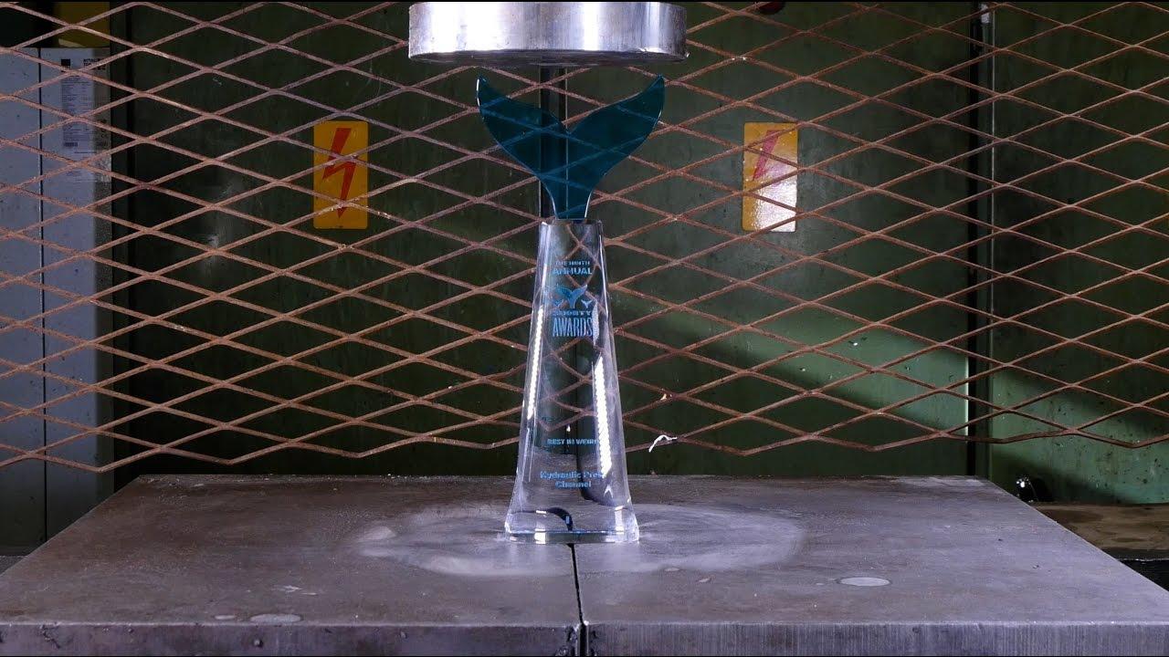 crushing shorty award with hydraulic press youtube