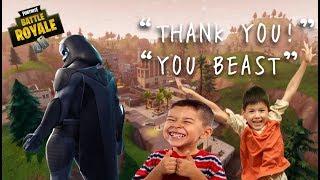 Fortnite: as crianças ganham a primeira vitória! (Reação louca e TROLLING)