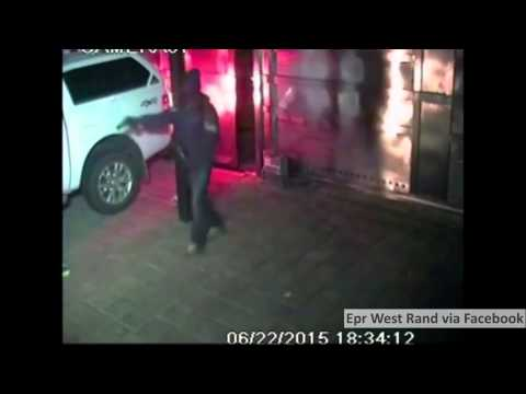 WATCH: Driver escapes attempted hijacking in Krugersdorp