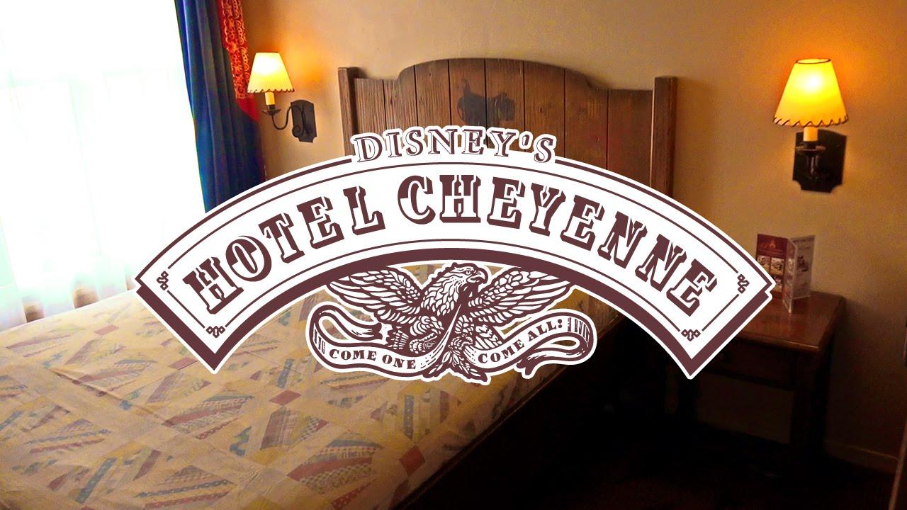 Disney 39 s hotel cheyenne tour of a standard room for Standard hotel paris