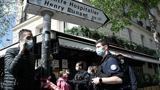 One dead, one injured in Paris hospital shooting screenshot 5