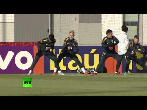 Футболисты сборной Бразилии провели первую тренировку в Москве перед матчем со сборной России