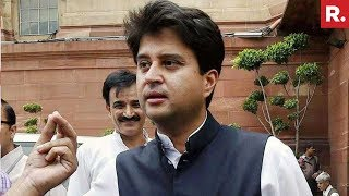 Jyotiraditya Madhavrao Scindia Supporters Protest Outside His Residence In Delhi