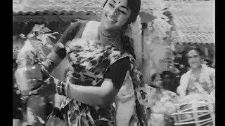 அம்பிகையே ஈஸ்வரியே(Ambhigaye Iswariye)-Pattikada Pattanama Full Movie Song
