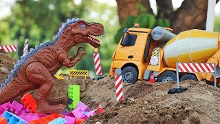 construction vehicles at work & dinosaurs , Car toys for kids.