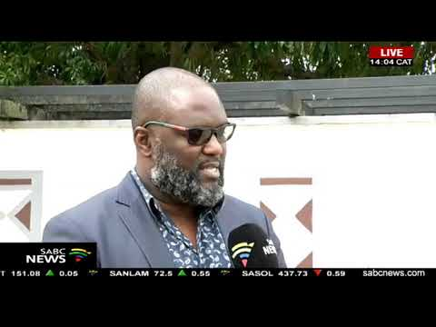 IFP members arrive at Prince Buthelezi's homestead