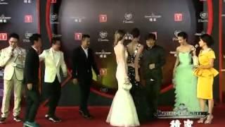 第15届上海国际电影节:成龙携《十二生肖》剧组亮相红毯