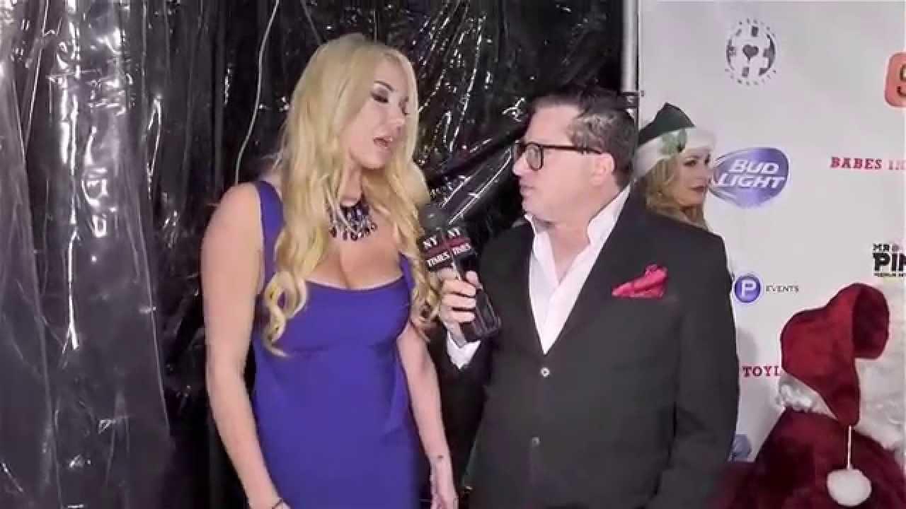 Bikini Model Claudia Fijal interviewed at Babes in Toyland