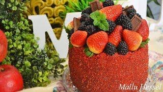 Receita de Bolo vermelho de chocolate com morango - Mallu Hessel
