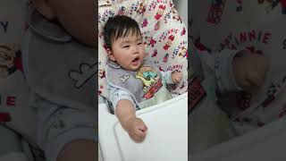이유식 먹기싫어서 졸린척하는 9개월 아들