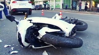 Девушка на Мотоцикле Влетела в Mazda.