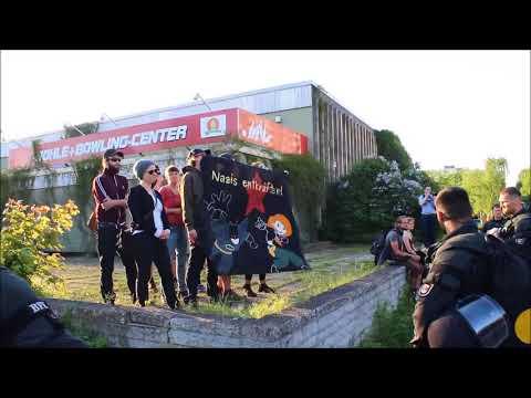 An open bascule bridge von YouTube · Dauer:  16 Sekunden