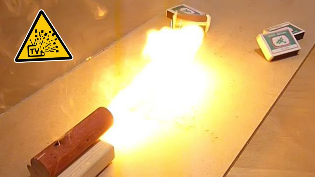 Для окуривания бочонков и баллонов серные фитили помещают в специальный закурник. Он состоит из железного прута, на одном конце которого.