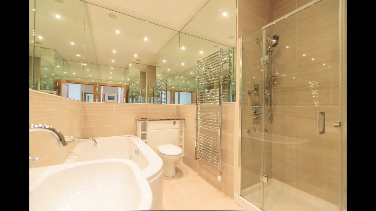 Property Photography: Nightmare Bathroom