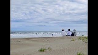片貝漁港の帰りに九十九里の砂浜を歩きました。大昔の若い頃に職場の仲...
