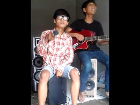 FOODCOURT-MEMORIES '05 (cover MY VOICE NOT DEATH)