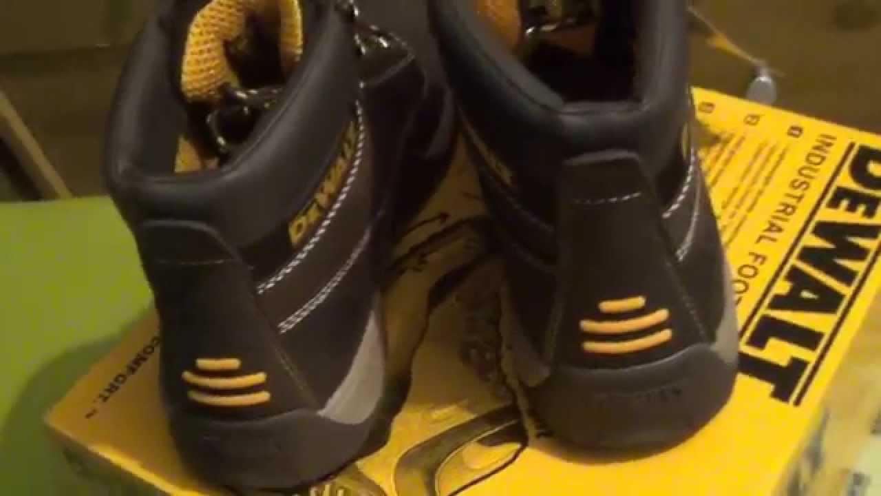 88d88429028 DeWalt DWF 60011 Industrial Footwear Flexible and Lightweight Apprentice  Safety Boots close look