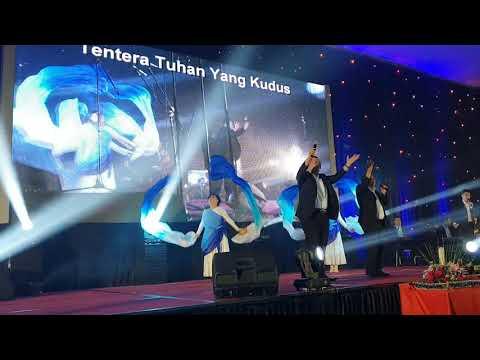 GITA SURGA - GLORIA - DARI PULAU DAN BENUA (Medley) Dance