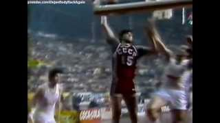 Sabonis breaks the backboard in 1984 (20 years old)