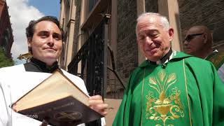 "Presentation and blessing of the statue ""I Absolve You"" of Padre Pio, in New York City"