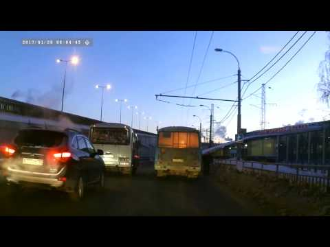 В Нижнем Новгороде на Московском шоссе горела маршрутка 26.01.2017 ВИДЕО