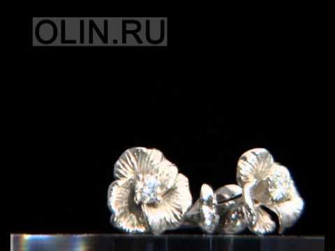 Серьги-пусеты с цветами из белого золота
