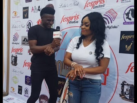 Iyabo Ojo dance shaku shaku with Gboahtv crew as she takes picture with slay mamas