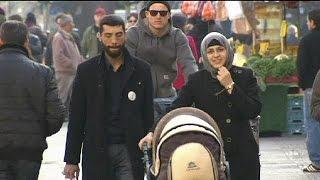 رئيس البنك المركزي الأوروبي يشجع أوروبا لاستقبال المزيد من المهاجرين     9-6-2016