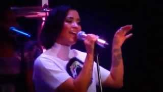 Demi Lovato-Cover Ain't No Way (Aretha Franklin's) 28/08/2015 #TWCVMAConcert