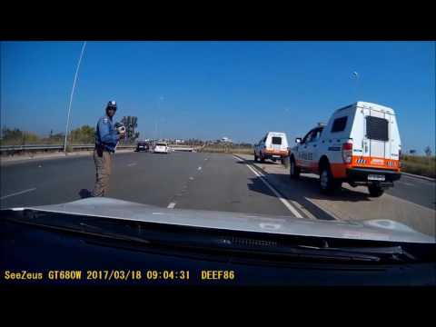 JMPD (traffic police) extortion - why a dashcam is an important tool to have. (JHB South Africa)