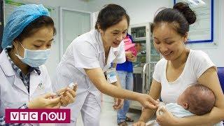 Không tiêm phòng, hàng loạt trẻ mắc bệnh truyền nhiễm | VTC1