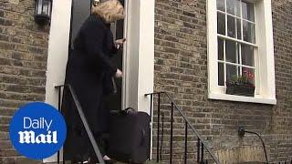 Penny Mordaunt refuses to back Prime Minister Theresa May thumbnail