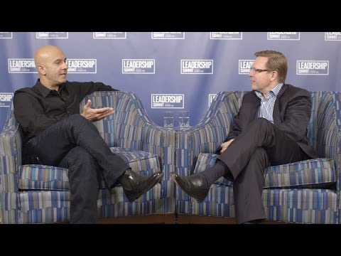 """""""The Leader Who Had No Title"""" author Robin Sharma intervew with Verne Harnish"""