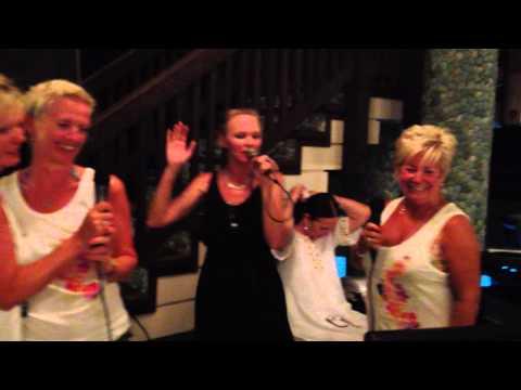 09 Kara Liz Gill Myra Julie Karaoke