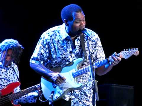 robert-cray-sittin-on-top-of-the-world-dmbf-10-gongshow44